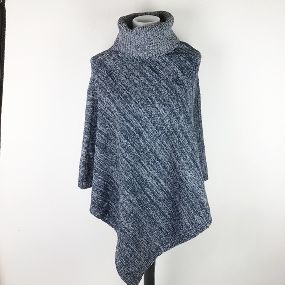 NWT Barefoot Dreams Cozychic Point Dume Poncho OS